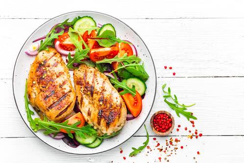 Rezept Hähnchenbrust auf Rucola-Salat