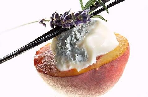 gorgonzola gebratener pfirsich.jpg