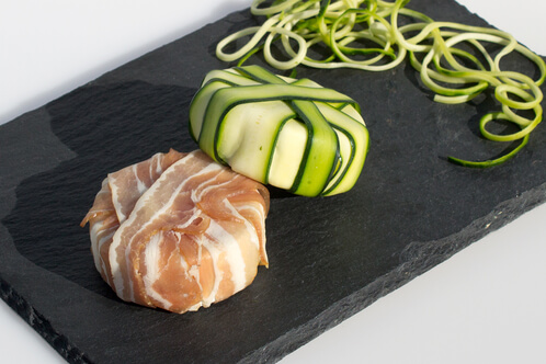 Rezept Camembert im Speck-/Zucchinimantel